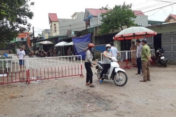 Thanh Hóa: Lập rào chắn kiểm soát khu phố nghi có người nhiễm Covid-19