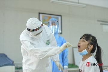 Ngày đầu Hà Nội xét nghiệm PCR cho 75.000 người từ Đà Nẵng: Hồi hộp chờ kết quả