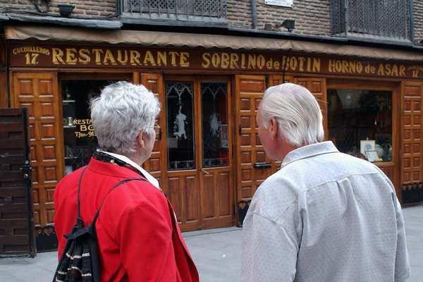Nhà hàng gần 300 năm tuổi nguy cơ đóng cửa vì dịch bệnh kéo dài