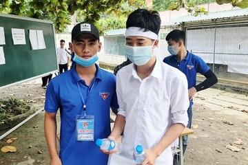 Bố mất đột ngột, thí sinh ở miền núi Nghệ An đội khăn tang dự thi tốt nghiệp