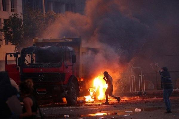 Đụng độ giữa người biểu tình và cảnh sát ở Beirut vẫn tiếp tục