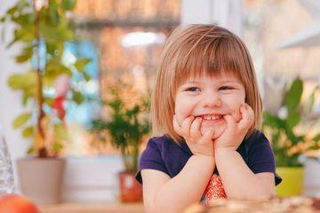 """Dạy trẻ mở rộng vốn từ cảm xúc để """"trị bệnh"""" la hét, khóc lóc ăn vạ"""