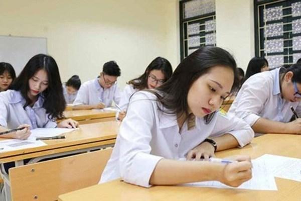 """Ông Mai Văn Trinh: """"Ngày mai sẽ tổ chức thi lại cho thí sinh ở 9 phòng thi"""""""