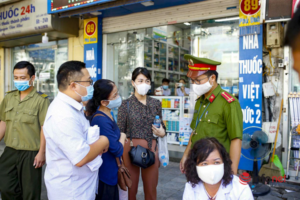 Hà Nội: Xử phạt 30 người dân không đeo khẩu trang phòng dịch Covid-19 nơi công cộng