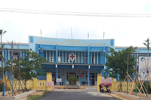 Bệnh nhân Covid-19 số 862 ở Quảng Trị bỏ 4 bữa ăn, đòi về nhà hiện đã uống sữa