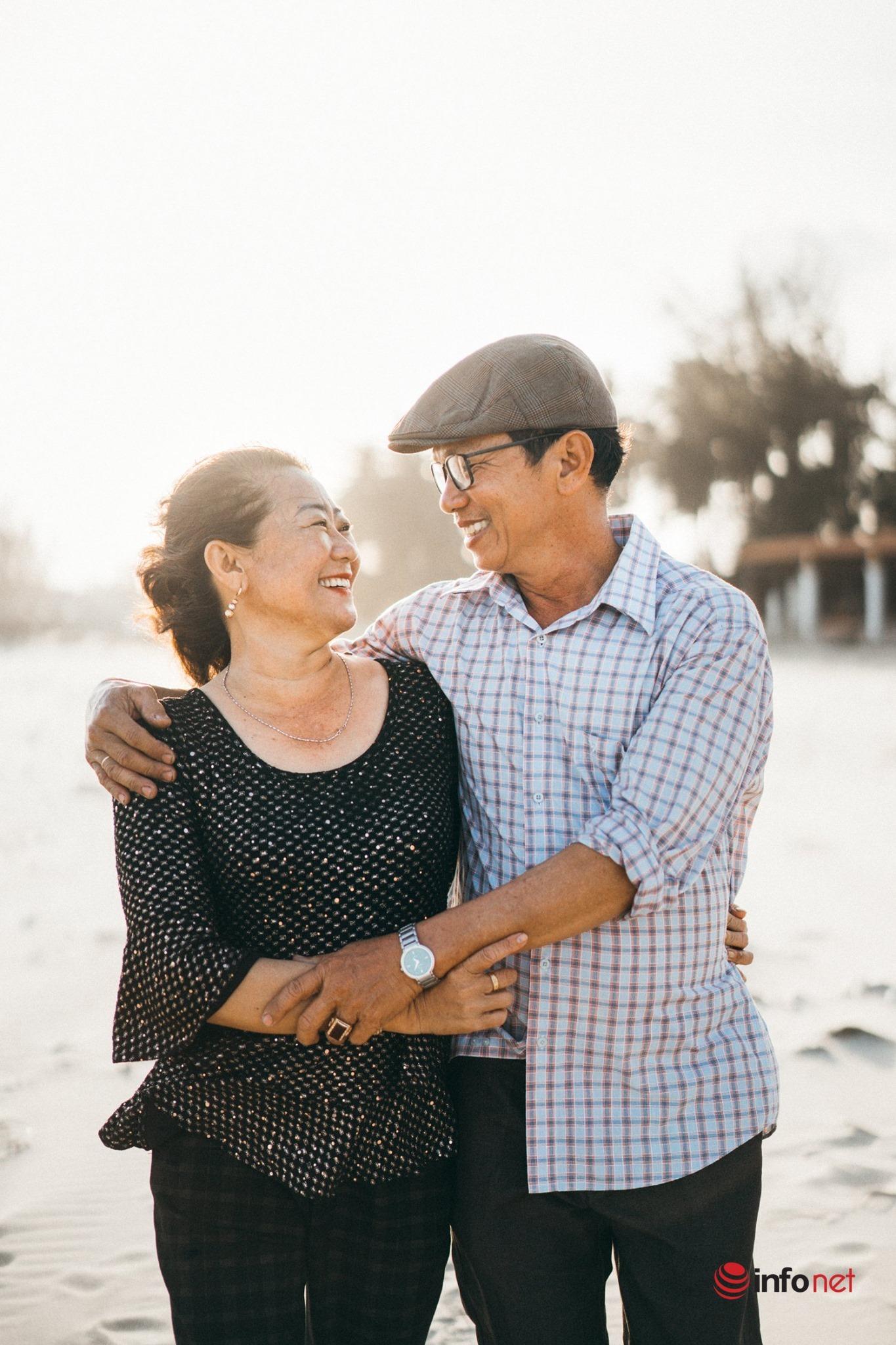 Mối tình son sắt như hình với bóng của cặp vợ chồng U60 ở Bình Thuận