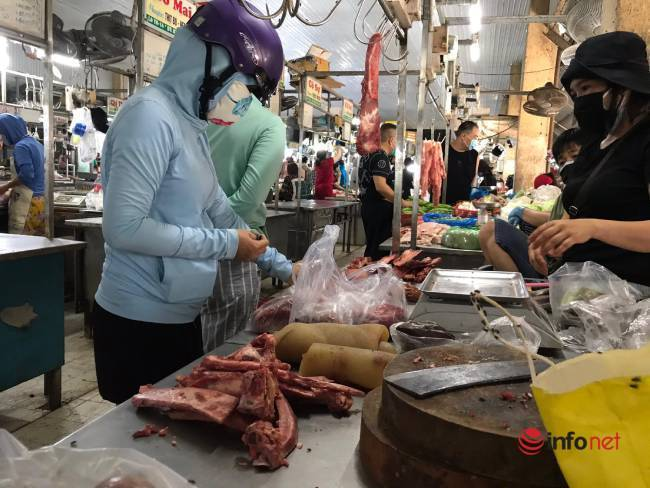 Đi chợ ở Đà Nẵng phải xuất trình thẻ: Nhiều phường không kịp in thẻ