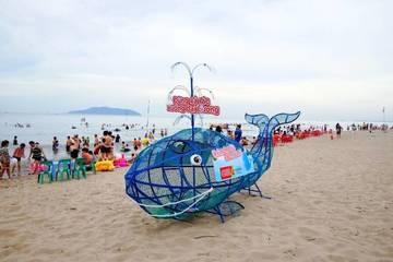 """Trao tặng 35 mô hình """"Cá voi ăn rác thải nhựa"""" cho các tỉnh ven biển"""