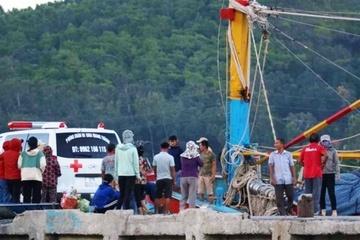 Đứt dây tời khi kéo thuyền thúng lúc nửa đêm, 3 ngư dân thương vong
