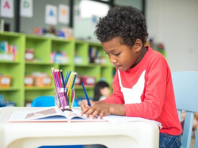 Cách dạy con 5 tuổi chuẩn bị vào lớp 1?