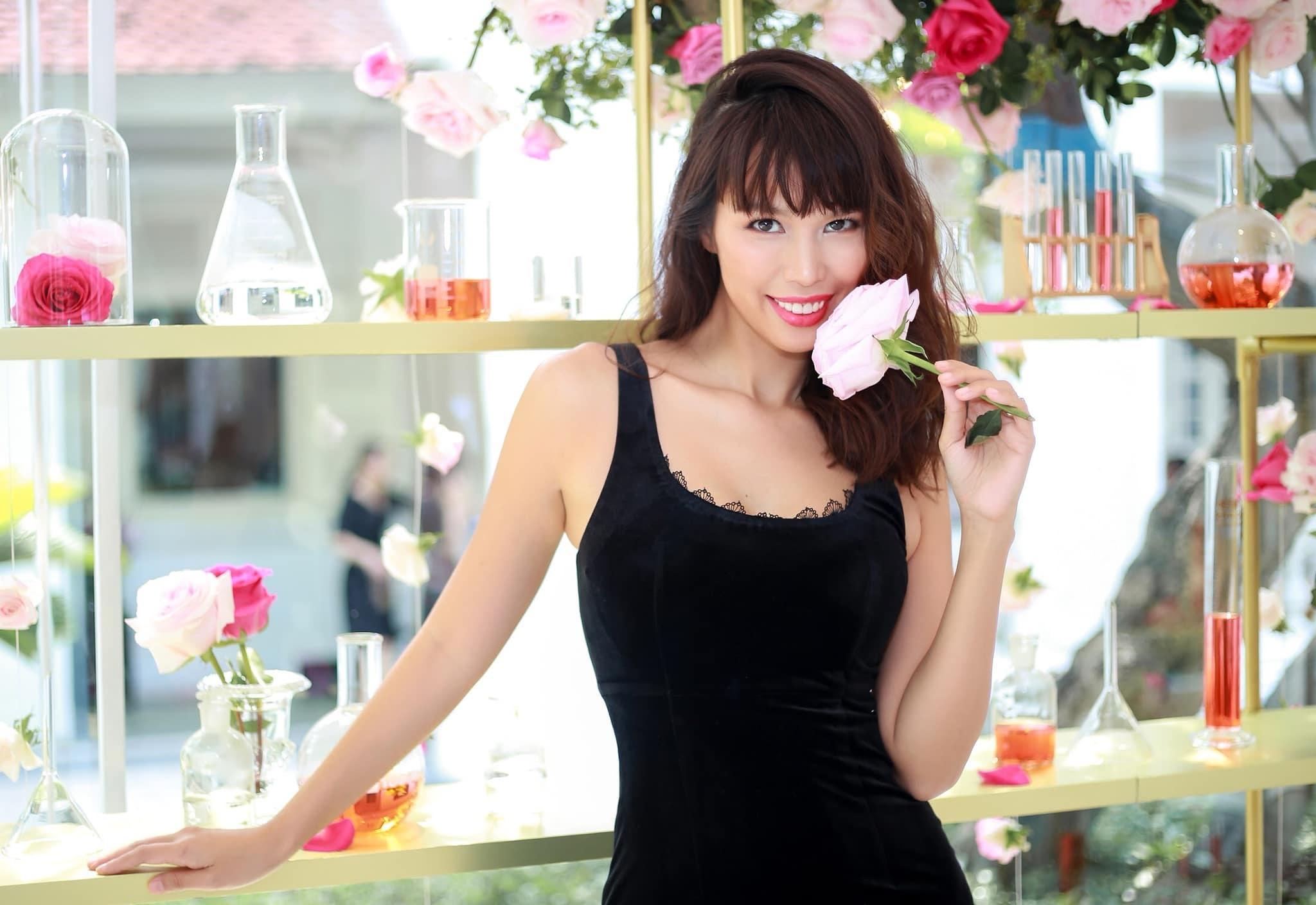 Siêu mẫu Hà Anh: 'Lối sống 'phông bạt', nhiều người ảo tưởng tầm ảnh hưởng trên mạng xã hội'