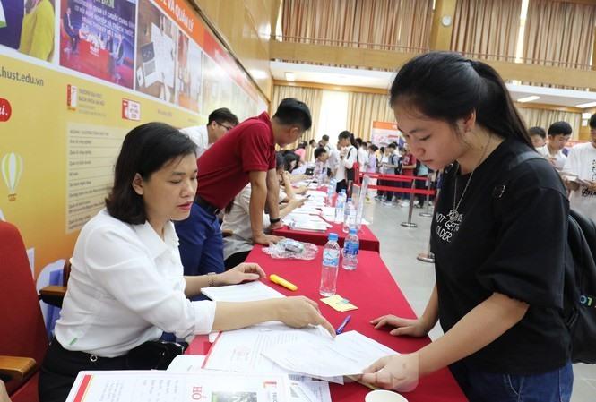 Chiều nay, hơn 5.600 thí sinh làm bài kiểm tra tư duy tranh suất vào ĐH Bách khoa Hà Nội
