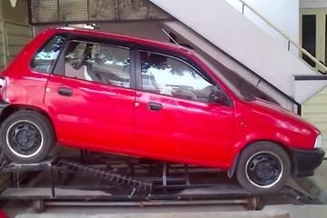 Tự chế gara ô tô độc đáo khiến cộng đồng mê xe trầm trồ