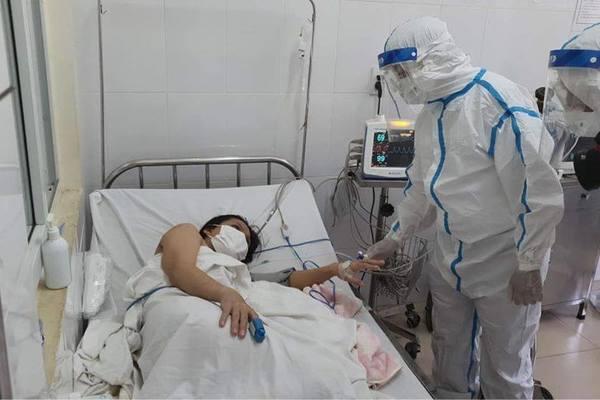 Cháu bé con sản phụ mắc Covid-19 sinh mổ tại Đà Nẵng được ở cùng mẹ