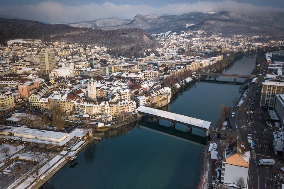 'Cơn mưa sô cô la' xuất hiện ở Thụy Sĩ