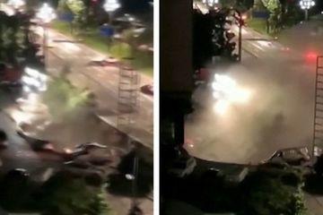 Sốc trước cảnh hố tử thần 'nuốt trọn' 21 chiếc ô tô ở Trung Quốc
