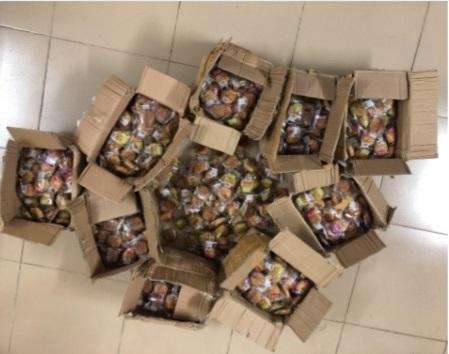 Hà Nội: Tạm giữ hàng trăm chiếc bánh trung thu nhập lậu không rõ chất lượng