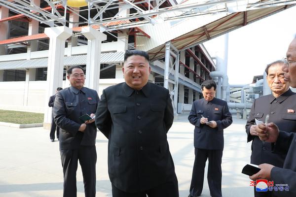 Vì sao ông Kim Jong-un chuyển bớt quyền lực cho em gái?