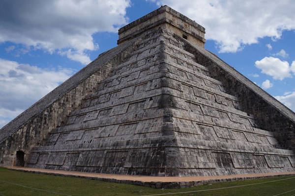 Bí mật trong kim tự tháp cổ phát ra tiếng kêu của chim thần
