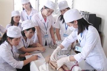 Điểm chuẩn ngành y năm 2020 biến động thế nào?