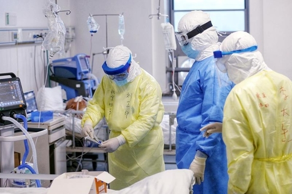 Gần 300 người nhập viện vì uống nước nhiễm khuẩn ở Trung Quốc