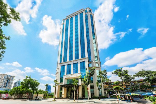 Khách sạn hàng trăm tỷ rao bán, chủ lớn cũng cạn tiền 'ngủ đông'