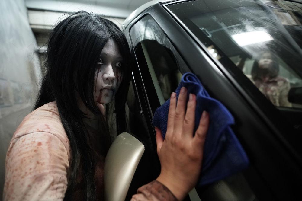 Đáng sợ nhưng thú vị, nhà để xe 'ma' hút khách ở Nhật Bản