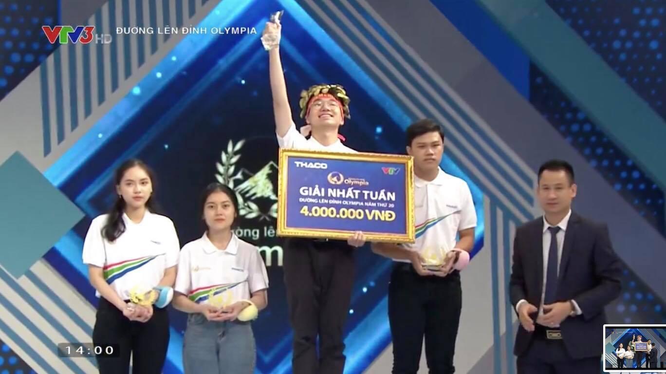 Nam sinh Hà Nội với 'ngôi sao hy vọng diêm dúa' giành vòng nguyệt quế Olympia