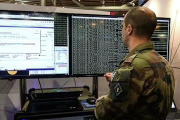 Quân nhân Pháp bị nghi chuyển tài liệu bí mật cho Nga