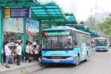 Hà Nội kêu gọi nhà đầu tư làm 310 nhà chờ xe buýt sử dụng điện mặt trời trên mái