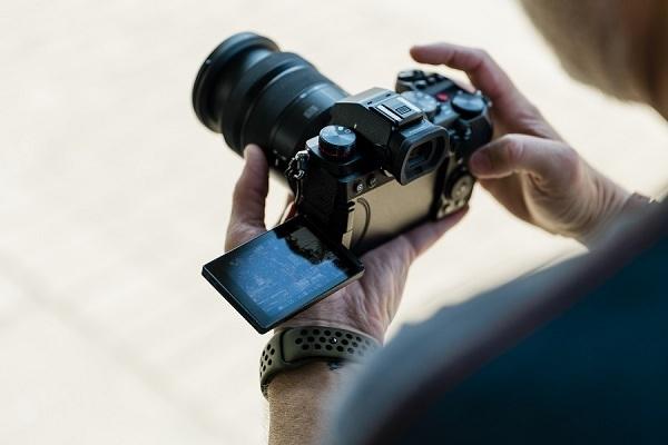 Panasonic ra mắt máy ảnh Full-Frame không gương lật Lumix S5 chất lượng hình ảnh vượt trội bất chấp thiếu sáng