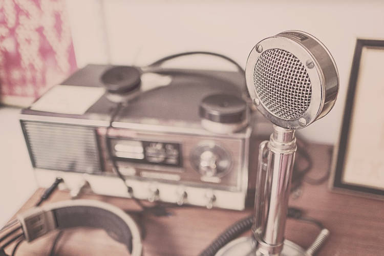 Bí ẩn đài phát thanh phát sóng liên tục không nghỉ 38 năm qua
