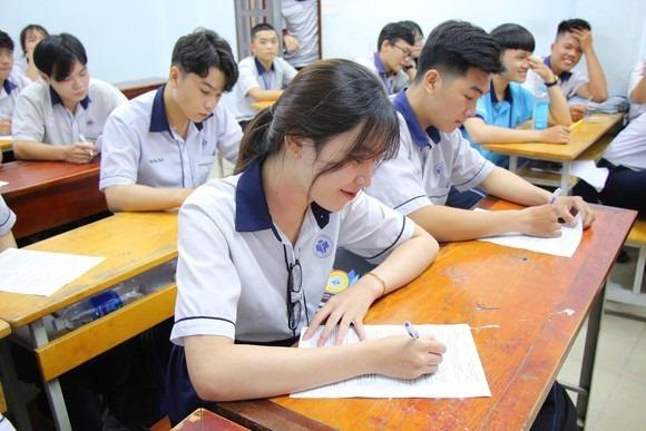Sáng nay hơn 26.000 thí sinh làm bài thi Tổ hợp tốt nghiệp THPT đợt 2