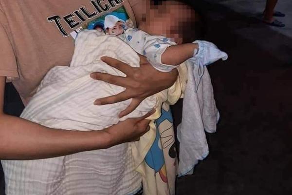 Hải Phòng: Bé sơ sinh bị bỏ rơi trước cửa hàng điện thoại, chủ hàng lập tức xin nuôi