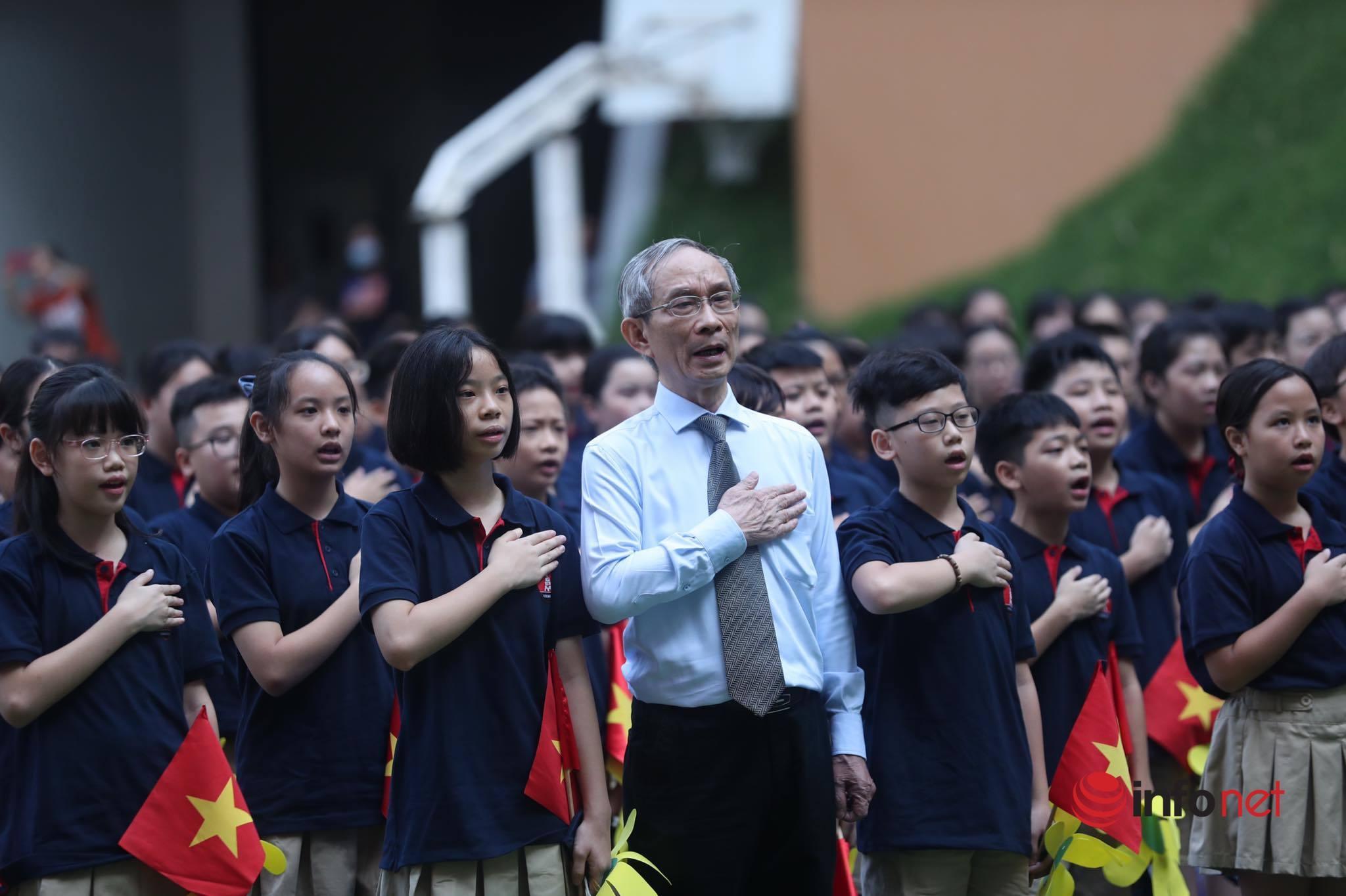 Học sinh cả nước háo hức dự lễ khai giảng đặc biệt