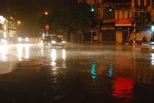 Dự báo thời tiết ngày 6/9: Hết đợt nắng nóng, Bắc Bộ mưa dông diện rộng