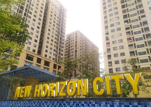 Móc vài tỷ mua nhà, cư dân 87 Lĩnh Nam phải bê xe máy lên căn hộ