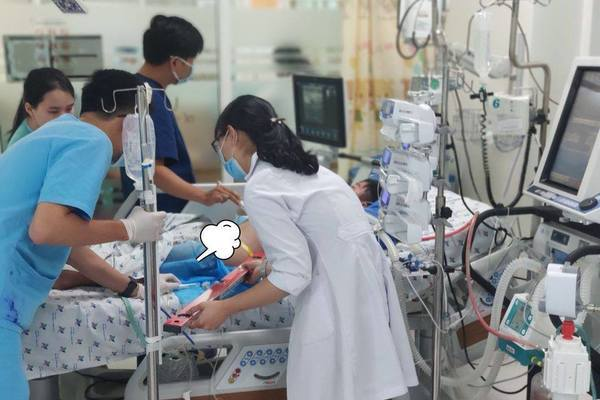 Bệnh nhi 13 tuổi suýt chết vì sốt xuất huyết