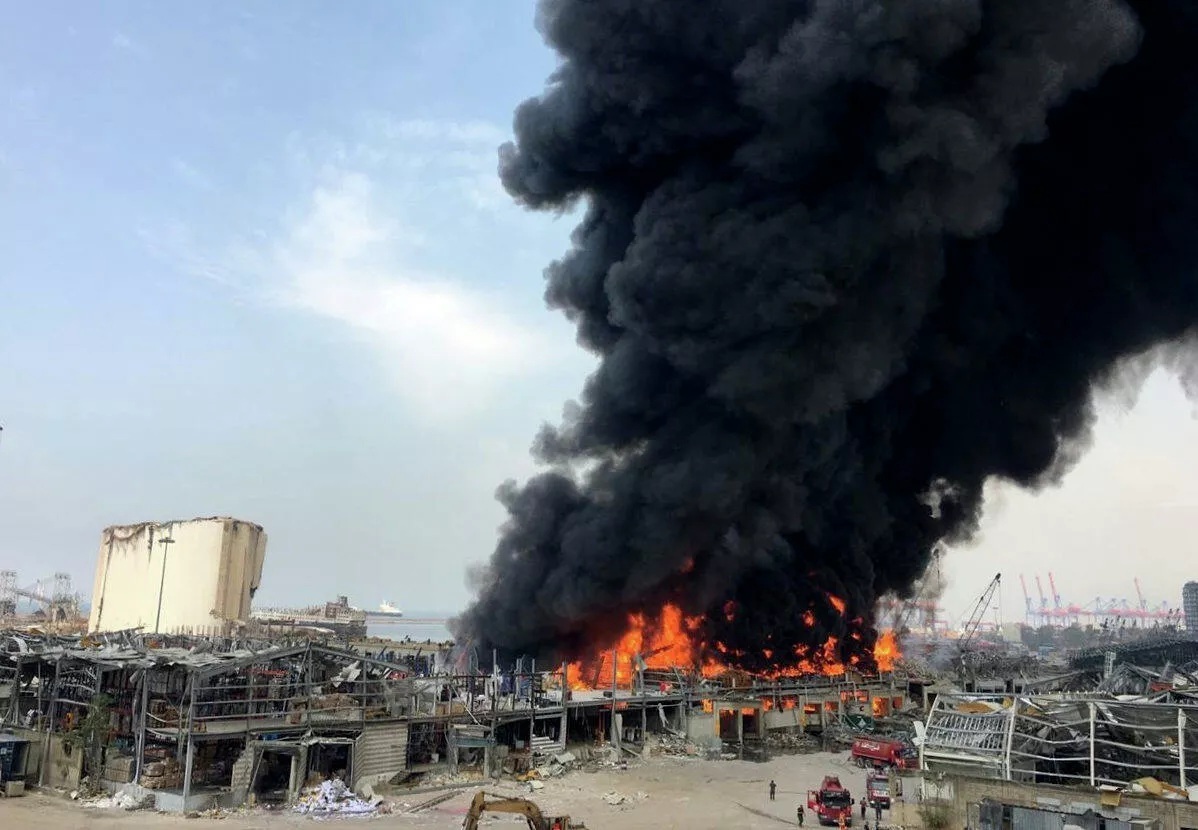 Hé lộ nguyên nhân bùng phát đám cháy ở cảng Beirut