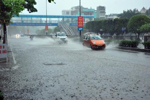 Dự báo thời tiết ngày 12/9: Bắc Bộ mát mẻ, mưa lớn bao trùm
