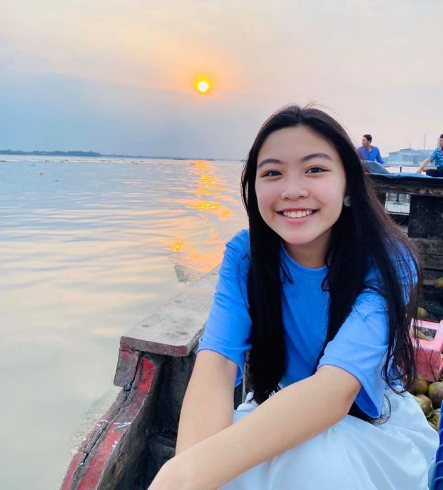 Các cô con gái nhà nghệ sĩ Việt xinh đẹp như ứng viên hoa hậu tương lai