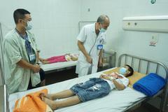 Quyết liệt khắc phục sự cố hàng loạt trẻ trường tiểu học Tiên Dương bị ngộ độc thực phẩm