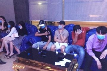 Quảng Nam: Quán karaoke cho khách dùng ma túy, bắt xong vẫn tái phạm
