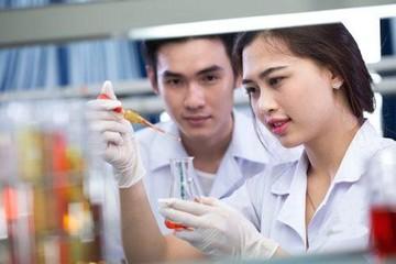 Chuyên gia nói gì về điểm sàn nhóm ngành y dược, sư phạm 2020?