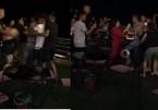 Xác minh nhóm phụ nữ nghi lột đồ cô gái trẻ, đánh ghen dã man ở quán cà phê