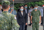 Quan chức Mỹ vừa tới Đài Loan, quân đội Trung Quốc rầm rộ tập trận