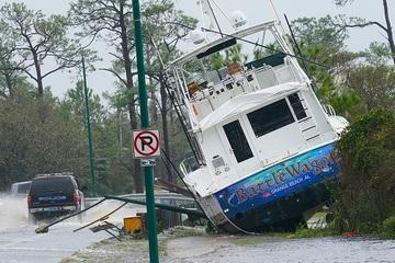 Hậu quả kinh hoàng của cơn bão Sally ở Mỹ