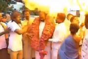 Chùm bóng mừng sinh nhật Thủ tướng Ấn Độ phát nổ, 12 người bị thương