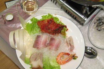 Món ăn kinh dị có mùi hôi nồng mê hoặc hàng ngàn thực khách