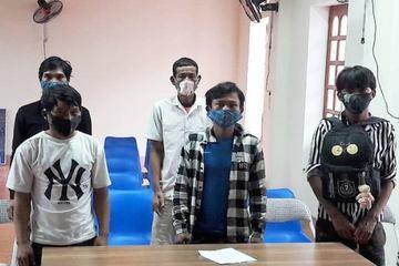 Nghệ An: Cách ly 5 người vượt sông, nhập cảnh trái phép